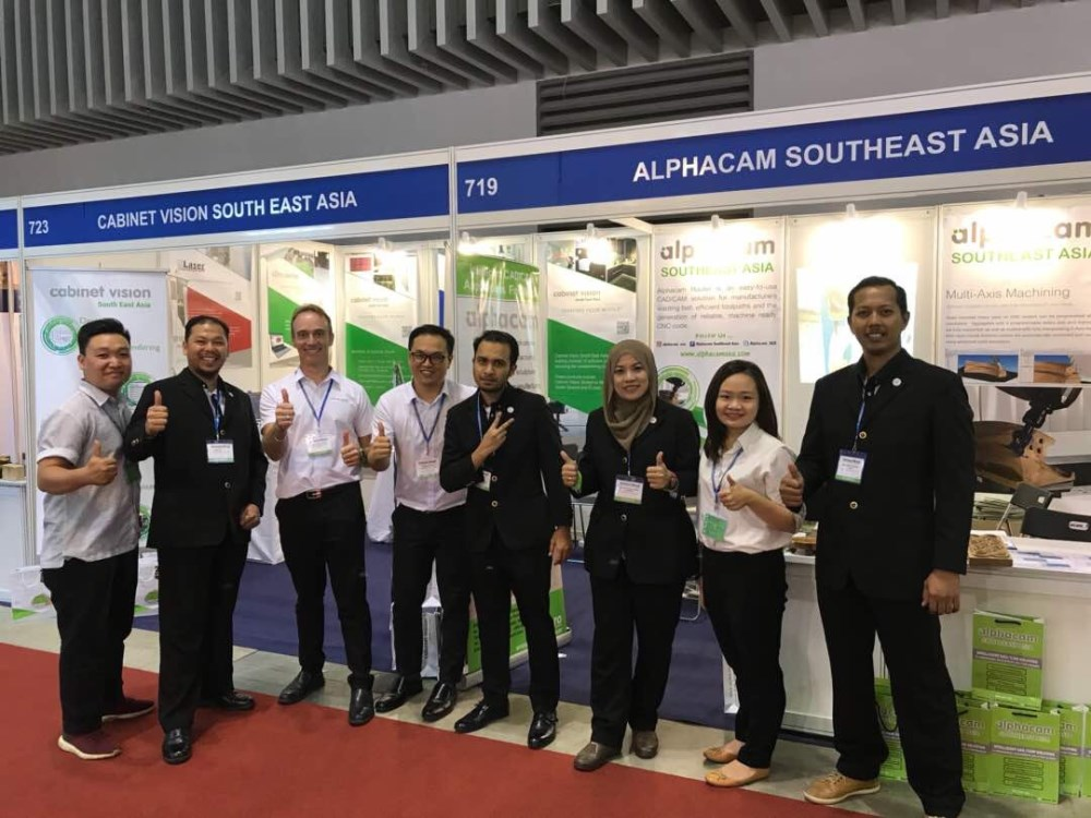 Customer Flies To Vietnam Trade Show To Sign With Cabinet Vision
